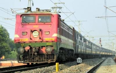 印度又内乱:10万人将游行要求通火车 称否则没和平